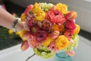 bright-diy-wedding-floral-bouquet-to-make-1-500x332